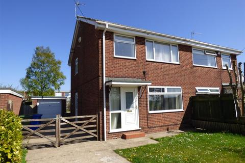 3 bedroom semi-detached house to rent - Oak Close Sproatley East Yorkshire