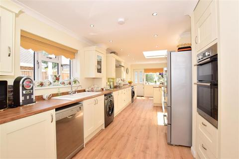 3 bedroom detached bungalow for sale - Warmlake Road, Chart Sutton, Maidstone, Kent