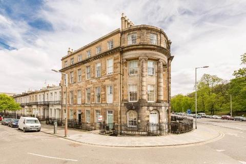 3 bedroom flat to rent - Windsor Street, Hillside, Edinburgh, EH7 5LA