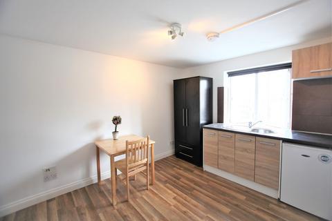 Studio to rent - Brent Street, Hendon, NW4
