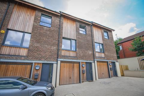 4 bedroom terraced house for sale - Picture House Court, Bristol, BS3 1BF