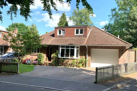4 bedroom detached house for sale - *Video Tour Available* West End, Southampton, SO30 3DX