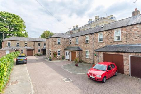 2 bedroom terraced house to rent - MILL MOUNT COURT, YORK