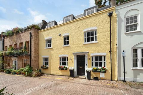 3 bedroom mews for sale - Rutland Mews South, Knightsbridge