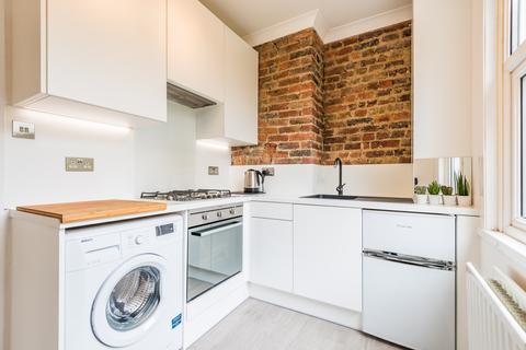 Studio to rent - Clyde Road, Croydon