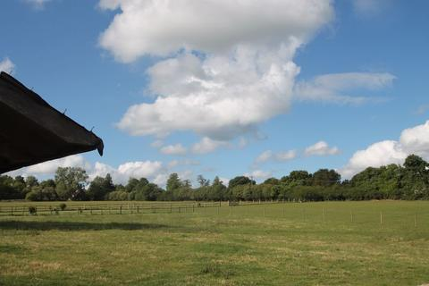 2 bedroom equestrian property for sale - Burrows Lane, Gomshall