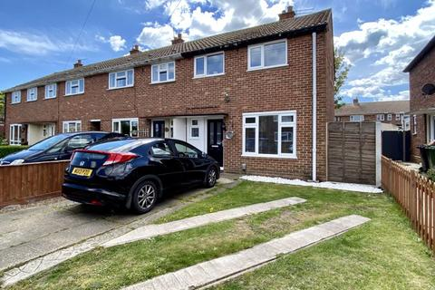 3 bedroom terraced house for sale - Nuffield Crecent, Gorleston