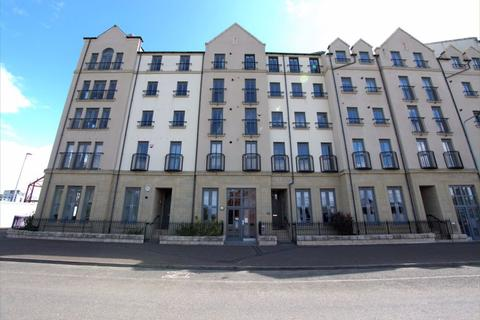 3 bedroom flat to rent - NEWHAVEN PLACE, EH6 4TG