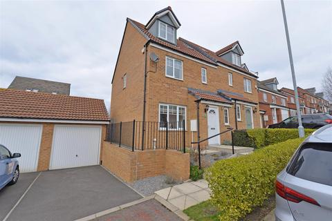 4 bedroom semi-detached house for sale - Robsons Way, Birtley
