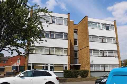 2 bedroom property to rent - Effingham Road, London