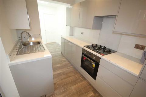 2 bedroom maisonette to rent - Whippendell Road, Watford