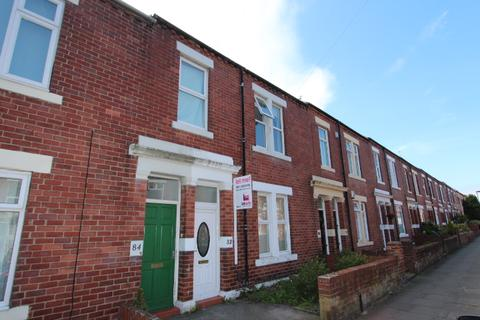2 bedroom flat to rent - Lansdowne Tce, North Shields.  NE29 0NJ.  * NEW KITCHEN *