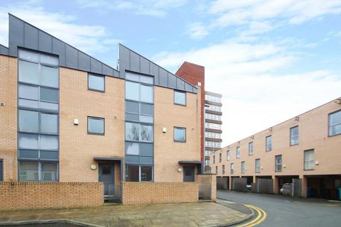 3 bedroom townhouse to rent - Peregrine Street, Hulme, Manchester, M15