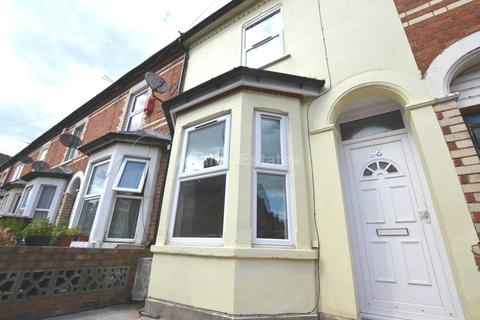 3 bedroom terraced house to rent - Chomeley Road, Reading