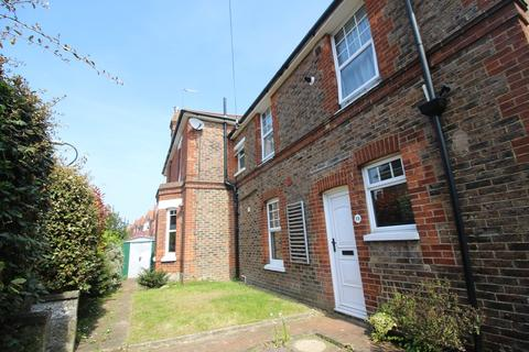 2 bedroom flat for sale - Motcombe Road, Motcombe, Old Town, Eastbourne BN21