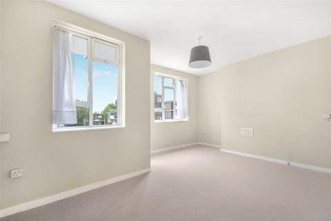 2 bedroom flat for sale - Bonsor House, Patmore Estate, London, SW8