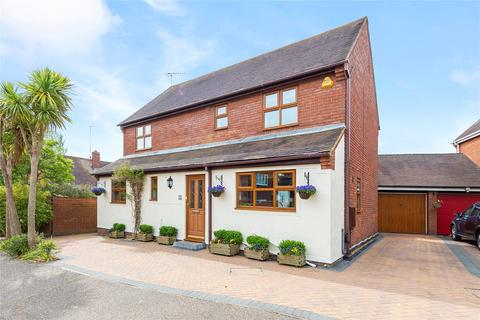 4 bedroom detached house for sale - Bickerton Point, South Woodham Ferrers, Chelmsford, Essex, CM3
