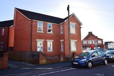 2 bedroom apartment to rent - Crofton Avenue, Yeovil, Somerset, BA21