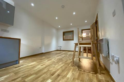 1 bedroom flat to rent - Finchs Court Mews, London, E14