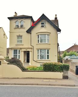 2 bedroom flat to rent - Buckingham Road, Shoreham BN43