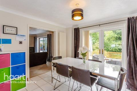 4 bedroom detached house for sale - Copper Beeches, Welwyn