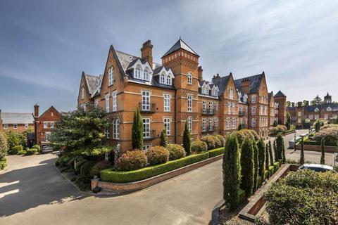 3 bedroom apartment for sale - Virginia Water, Surrey