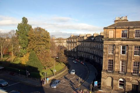 3 bedroom flat to rent - Melville Place, , Edinburgh, EH3 7PR