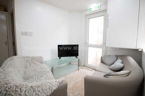 4 bedroom house share to rent - Baltic Street, Salford, M5 5JT