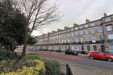 2 bedroom ground floor flat for sale - Hamilton Square, CH61 4AY