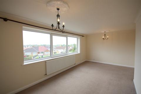 3 bedroom maisonette to rent - 24 Springmead Drive