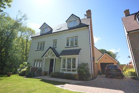 5 bedroom detached house for sale - Robert Cameron Mews, Colchester