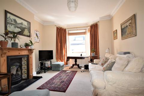 3 bedroom apartment to rent - Upham Park Road