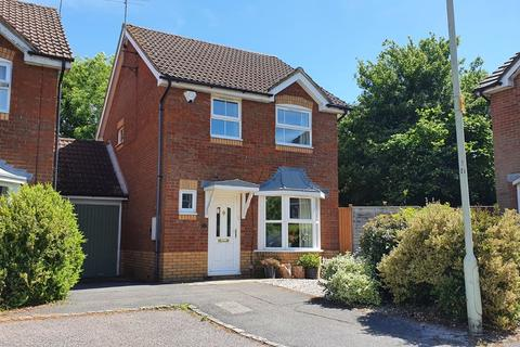 3 bedroom detached house to rent - Constable Close, Woodley