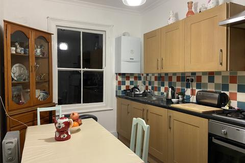 4 bedroom flat share to rent - ELSHAM ROAD, KENSINGTON/OLYMPIA, LONDON W14