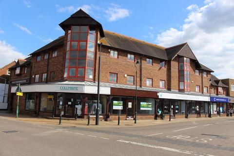 Property to rent - Commercial Road, Tonbridge