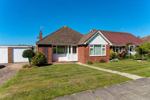 3 bedroom bungalow for sale - Kingston Avenue, Seaford, East Sussex, BN25 4NE