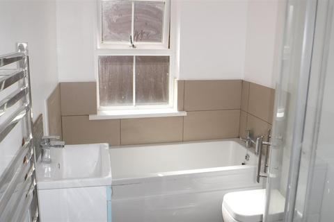 2 bedroom end of terrace house to rent - Howard Road, Leicester