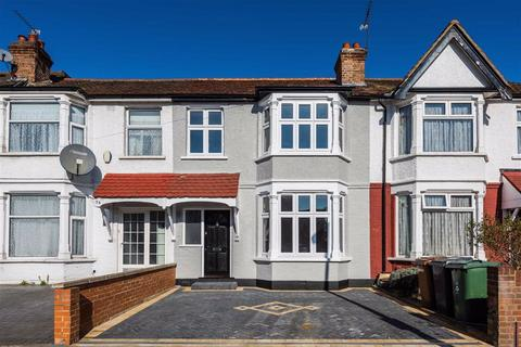 3 bedroom terraced house for sale - Marmion Avenue, Chingford