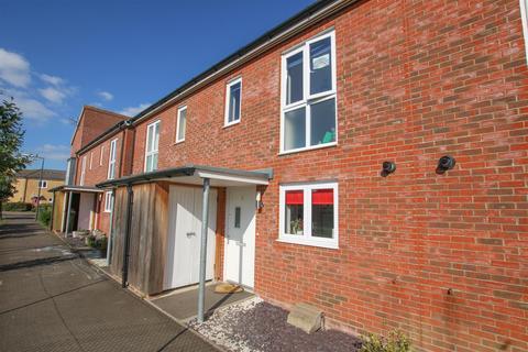 2 bedroom terraced house for sale - Saturn Path, Aylesbury