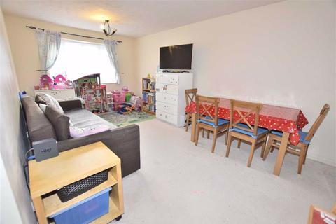 2 bedroom flat to rent - Corfe Close, Borehamwood, Hertfordshire