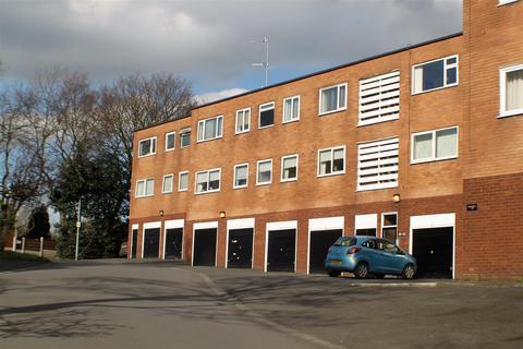 2 bedroom flat for sale - Cholmondeley Road, Salford