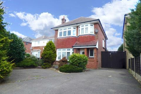 4 bedroom detached house to rent - Four bed Student House - Wallisdown
