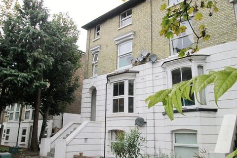 1 bedroom apartment to rent - WIMBLEDON - WELL PRESENTED ONE BEDROOM RAISED GROUND FLOOR FLAT IN CONVENIENT POSITION.