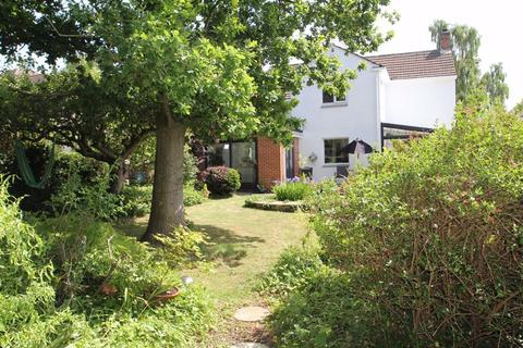 4 bedroom detached house for sale - Wimborne Road, South Knighton, Leicester