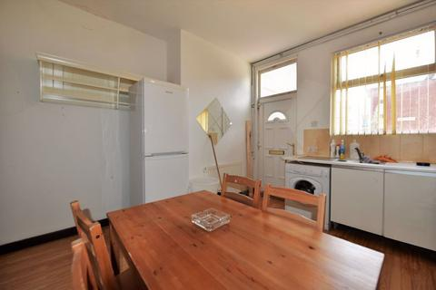 3 bedroom terraced house to rent - Woodhouse Street, Woodhouse