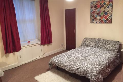 Studio to rent - Cleghorn Street, , Dundee, DD2 2NQ