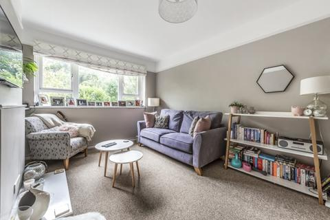 1 bedroom flat to rent - St. Mildreds Road London SE12