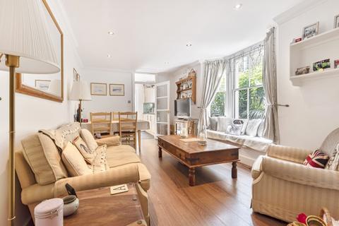 2 bedroom flat to rent - Sangora Road London SW11