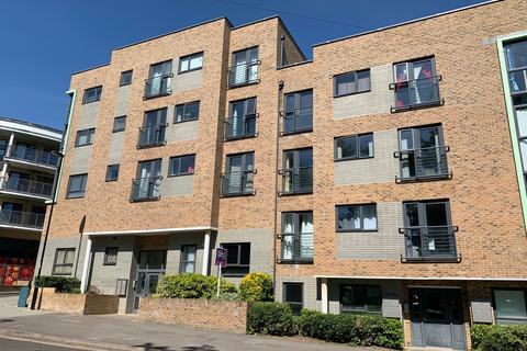 1 bedroom apartment for sale - Hinkler Road, Southampton, SO19 6DF