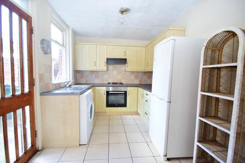 3 bedroom terraced house to rent - SHORT TERM - Whitefield Terrace, Heaton, NE6